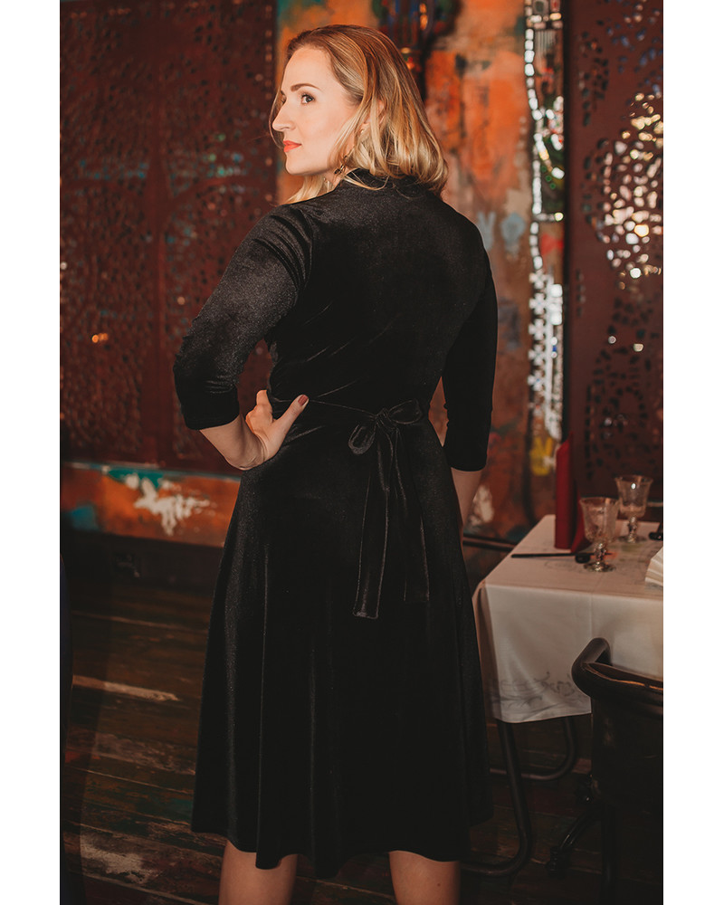 BLACK ELEGANT VELVET DRESS