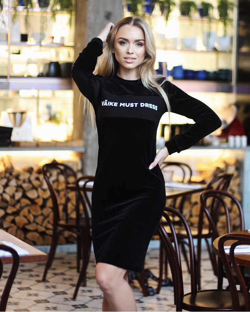 VÄIKE MUST LONG SLEEVE VELVET DRESS