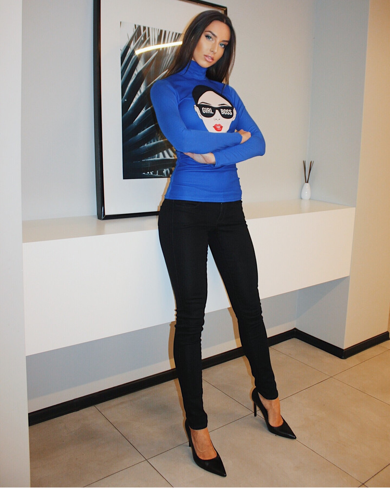 GIRL BOSS PULLOVER ELECTRIC BLUE