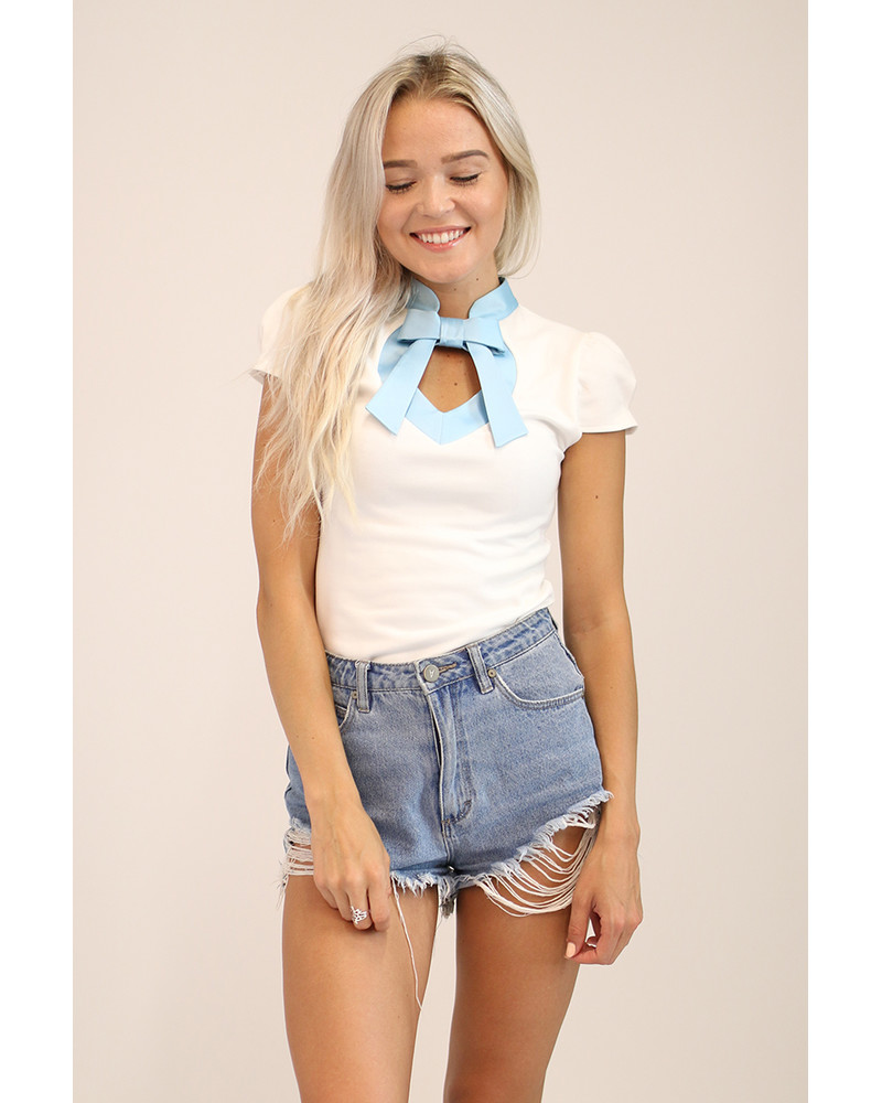 WHITE LIGHT BLUE DOLLABLE TOP