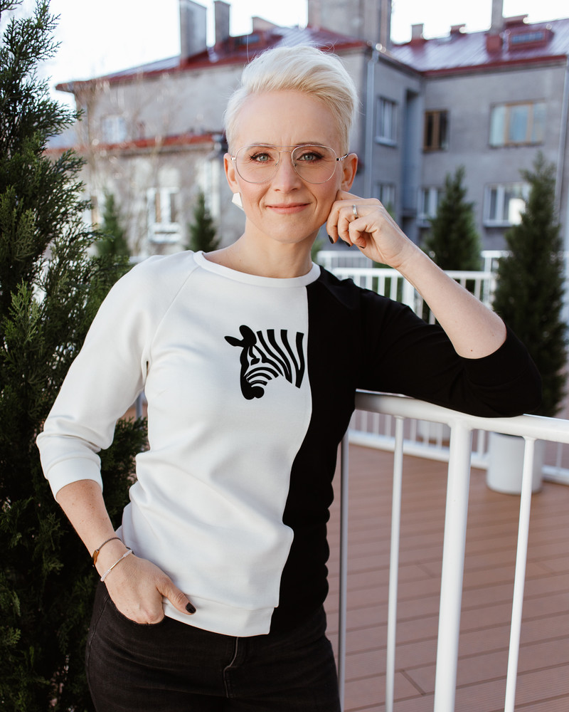 ZEBRA SWEATSHIRT WHITE & BLACK