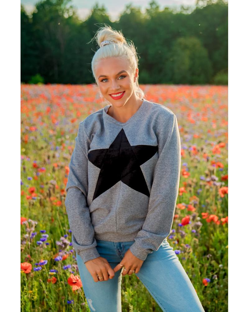 BLACK STAR GREY SWEATER