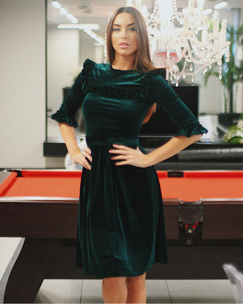 CAROL BOHO FRILL DRESS GREEN VELVET