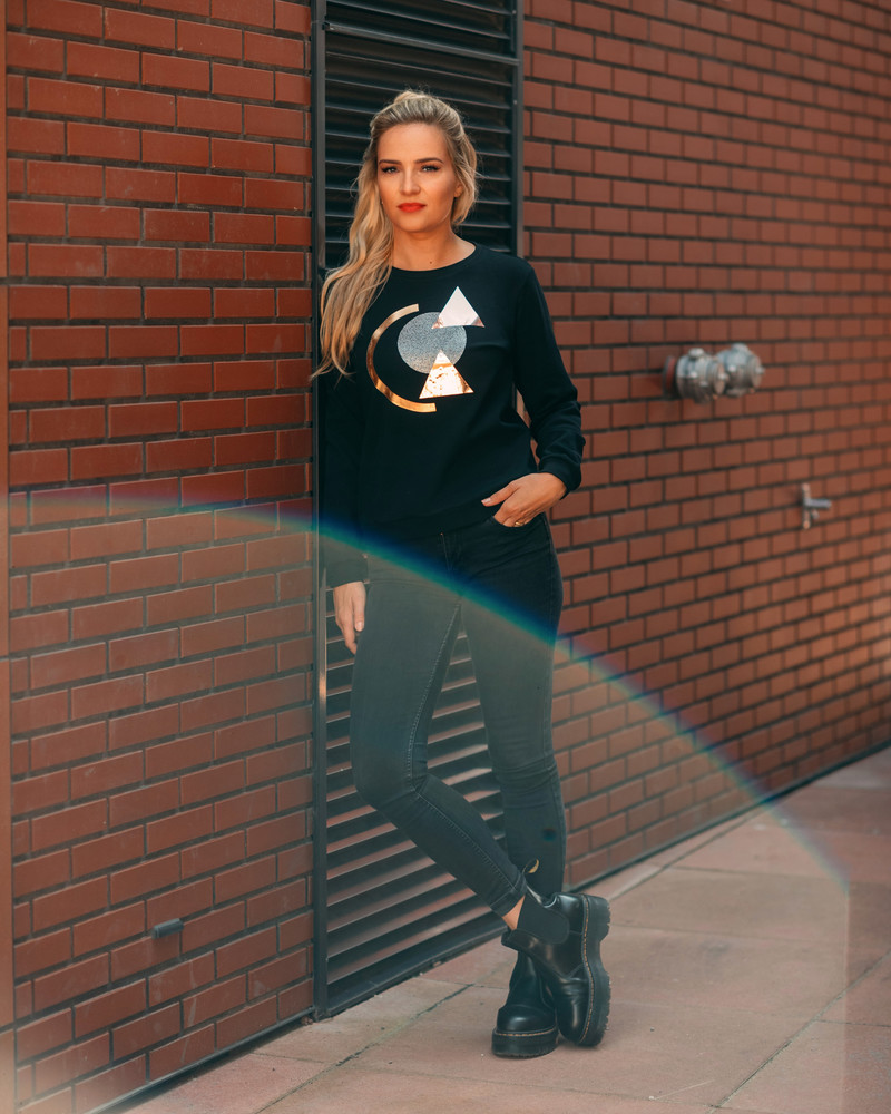 BLACK SPARKLE GOLD ABSTRACT  PRINT SWEATER