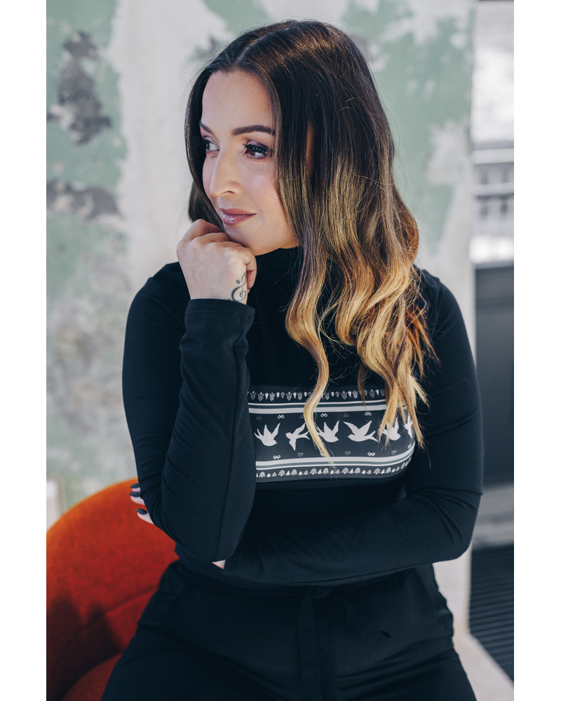 SWALLOW PULLOVER BLACK