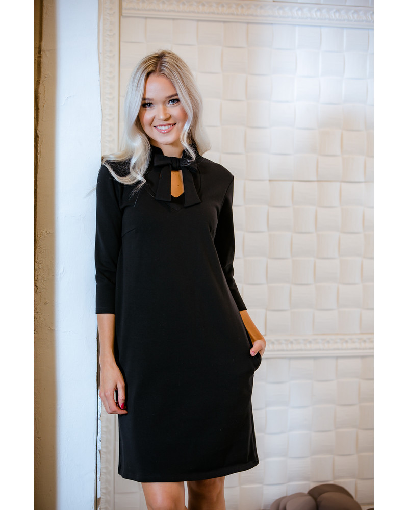 BLACK DOLLABLE SWEATER DRESS