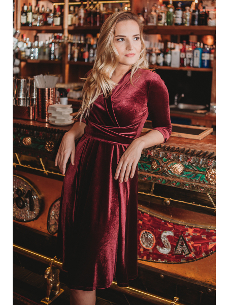 BURGUNDY VELVET ELEGANT DRESS