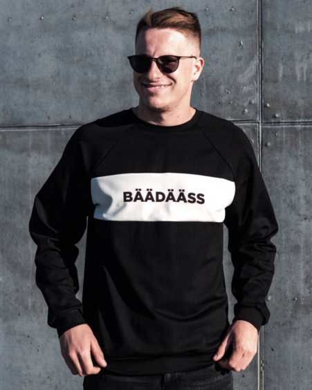 BÄÄDÄÄSS BLACK SWEATER