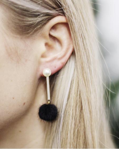 WHITE PEARL BLACK FUR EARRINGS