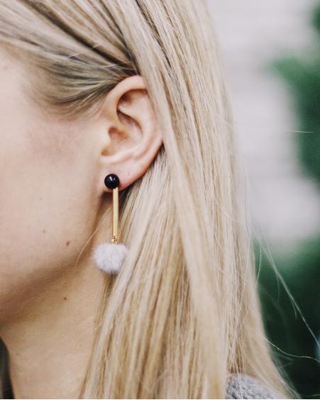 BLACK PEARL GREY FUR EARRINGS
