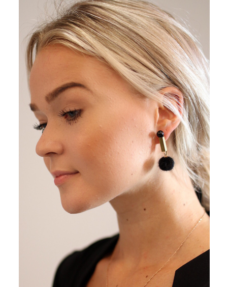 BLACK PEARL BLACK FUR EARRINGS