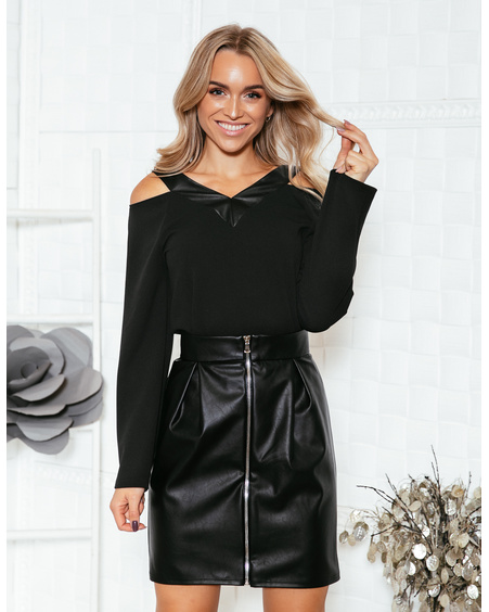 BLACK OPEN SHOULDER BLOUSE