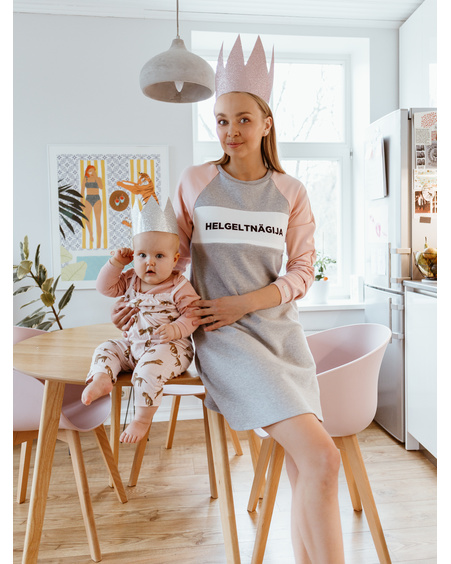 HELGELTNÄGIJA NURSING DRESS PEACHY & GREY