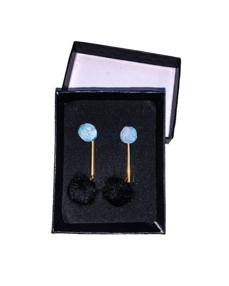 LIGHT BLUE ROCKY STONE BLACK FUR EARRINGS