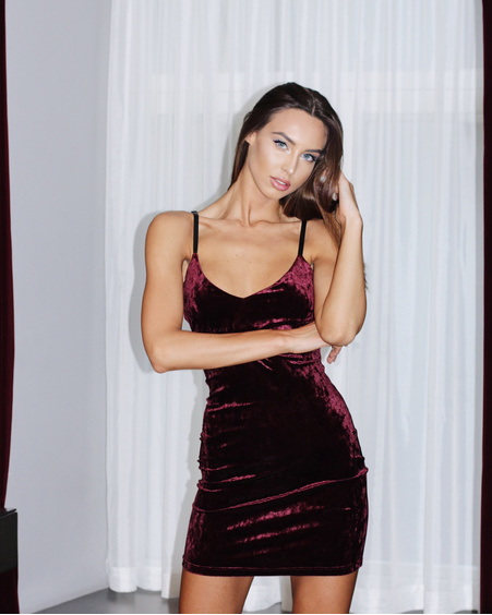 BORDEAUX VELVET STRAP DRESS