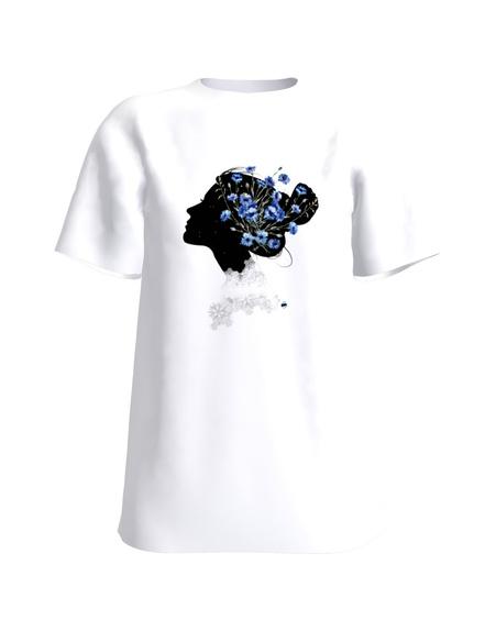 eestimaine naine valge t-särk