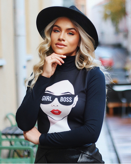 GIRL BOSS PULLOVER BLACK