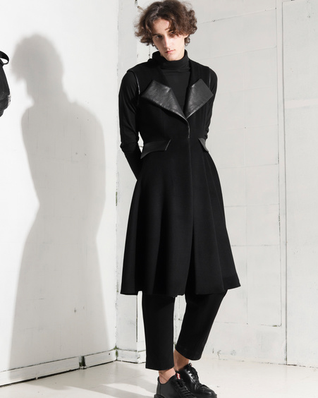 SLEEVELESS UNISEX COAT LOTTE