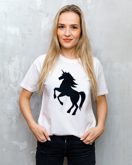 BLACK VELVET PRINT UNICORN T SHIRT